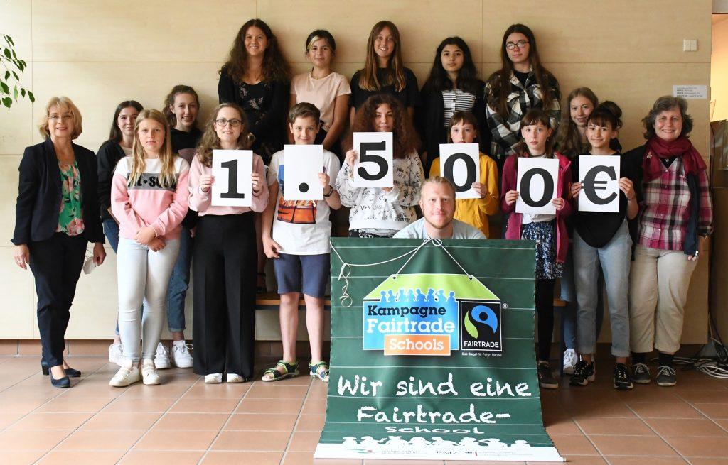 Unser Beitrag zur Spenden-Challenge: 1500 Euro für die Partnerschulen in Burkina Faso